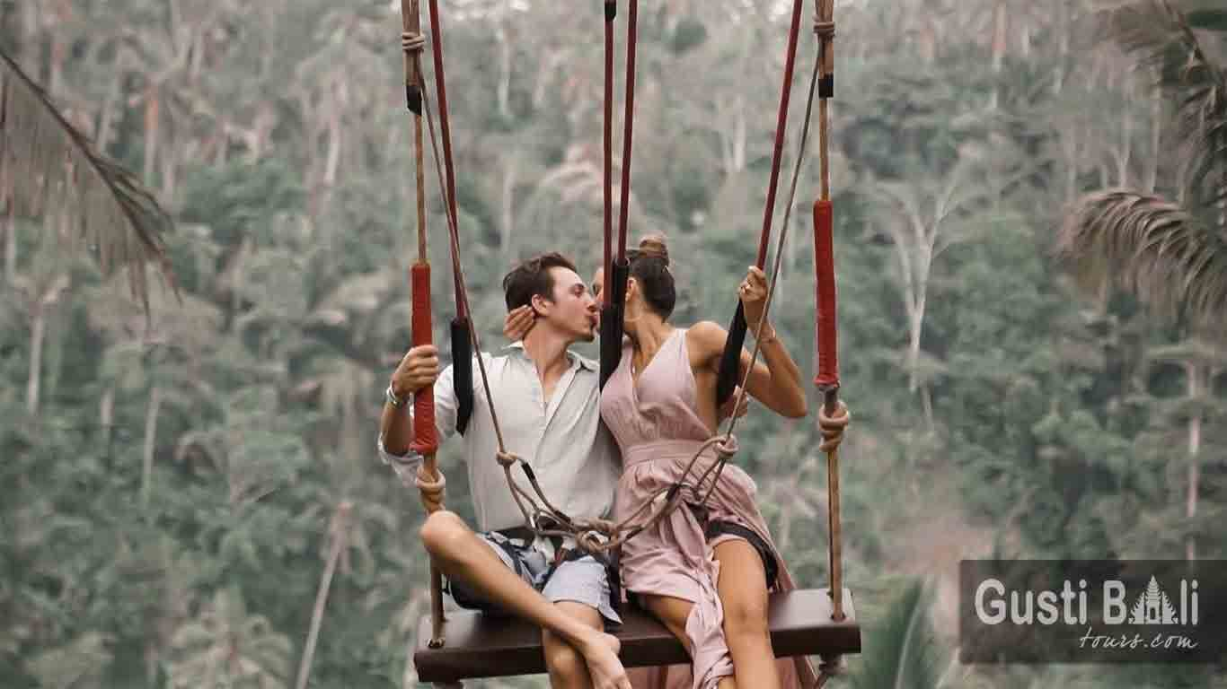 Bali Roamntic Swing