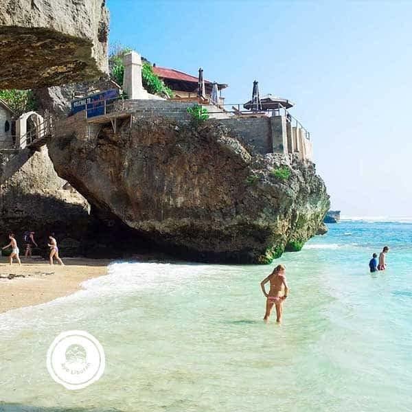 Pantai-Suluban