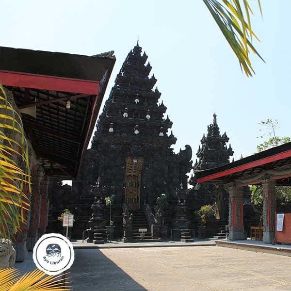 Pura-Jagat-Karana-Surabaya-4