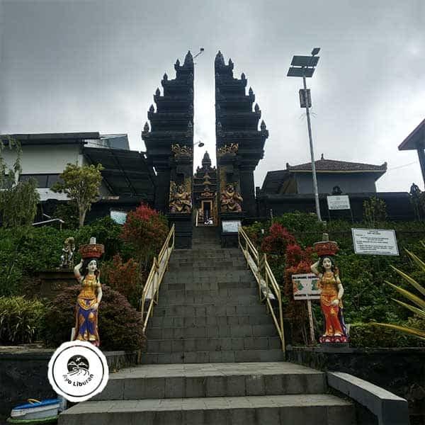 Pura-Giri-Arjuno-Malang-2