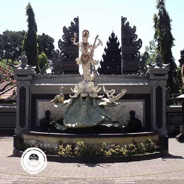 Pura-Jagat-Karana-Surabaya-3