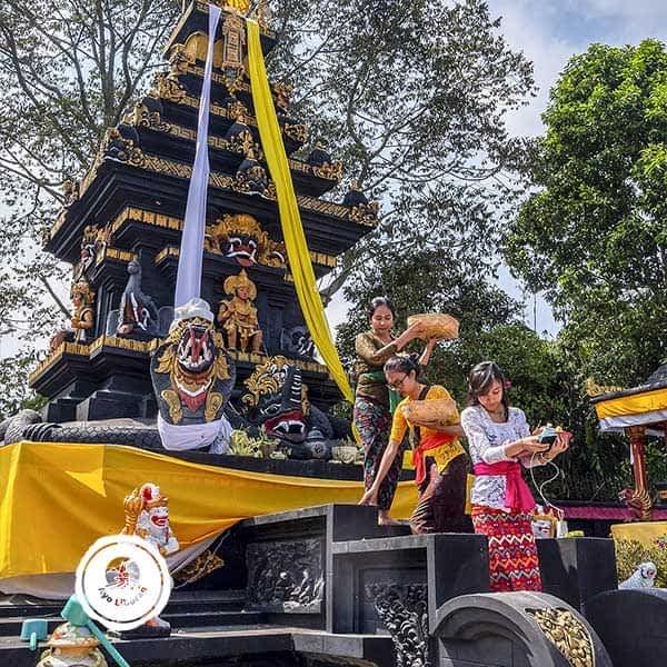 Pura-Giri-Arjuno-Malang-3